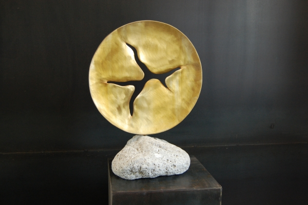 Skulptur Tombak, sculpture brass