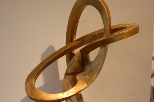 Remo Leghissa, Skulpture für den Wohnbereich - Im Reigen der Kreise