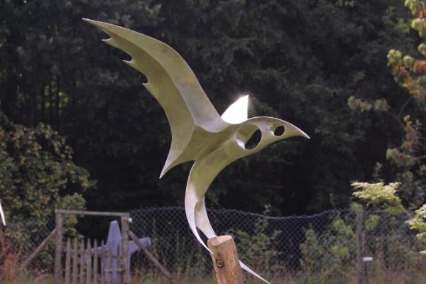 Remo Leghissa, Edelstahl und Messing Skulpturen für den Aussenbereich - Seelenvogel