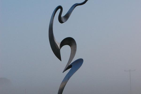 Remo Leghissa, Skulpturenpark - Nordblick im Morgennebel