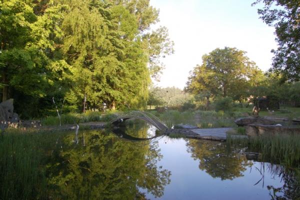 Remo Leghissa, Skulpturenpark - Teich, nach Süden